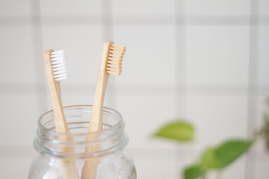Bamboo toothbrushes for woodwind mouthpiece cleaning (Photo by Superkitina on Unsplash)